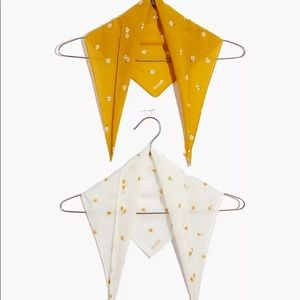 Madewell 🌼 Daisy Two Pack Triangles
